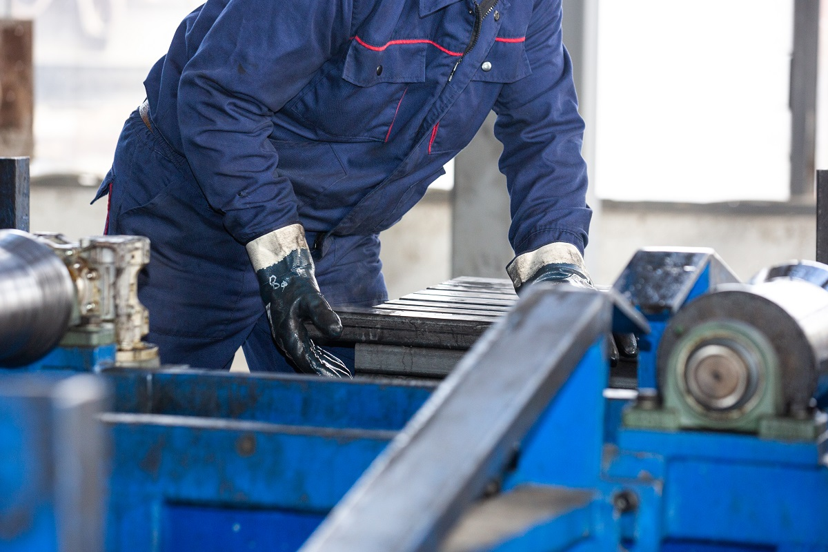 5 Things to Consider When Choosing a Steel Manufacturer