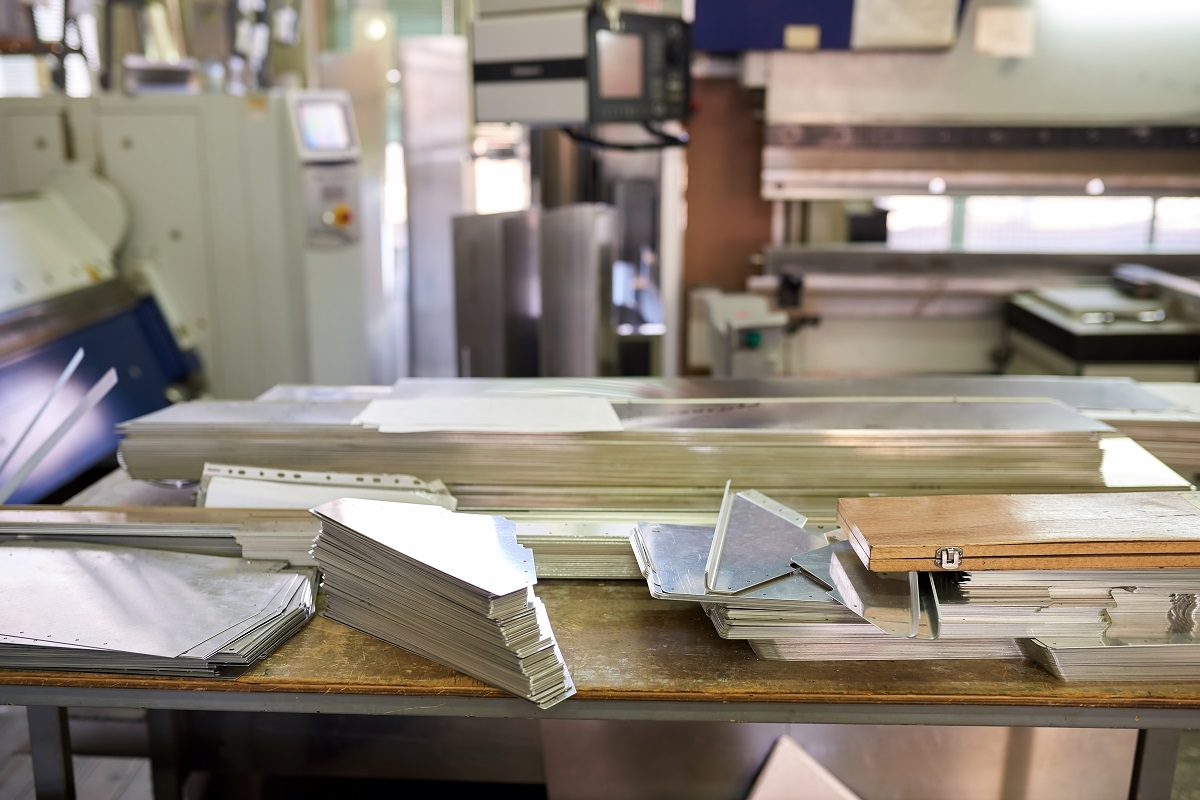 5 Safety Tips When Handling Sheet Metals